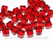 Facetterade kristall-kuber 4x4mm - Cranberry Red