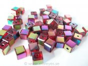 Facetterade kristall-kuber 6x6mm, Ruby Oil