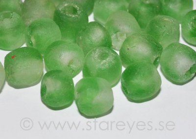 "Bottle-glass beads ""Green/white"", 12-13mm"